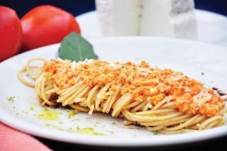 Macarrão de Ricota com Tomate